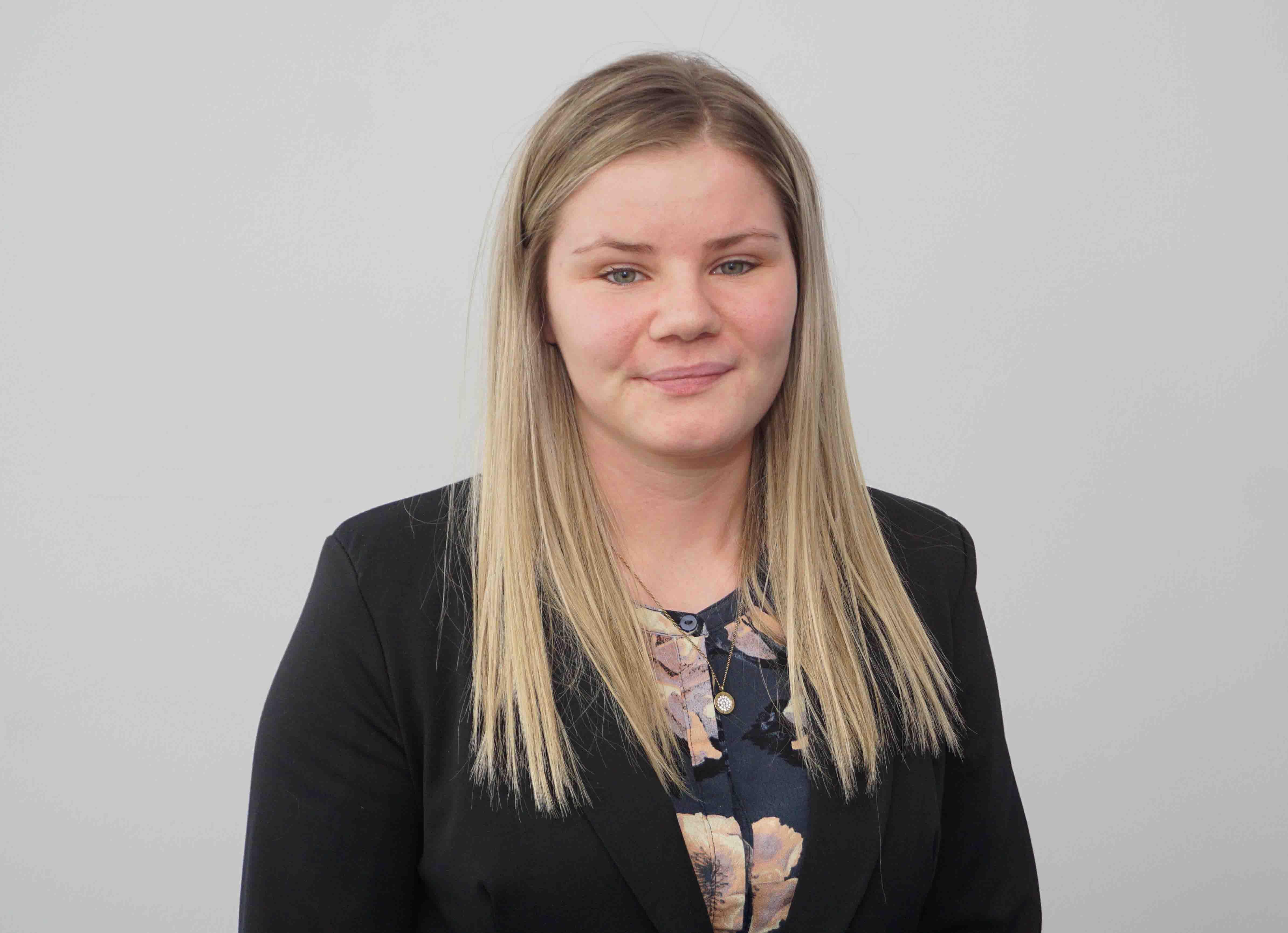 Jóhanna Maria Olsen : Salary Accountant