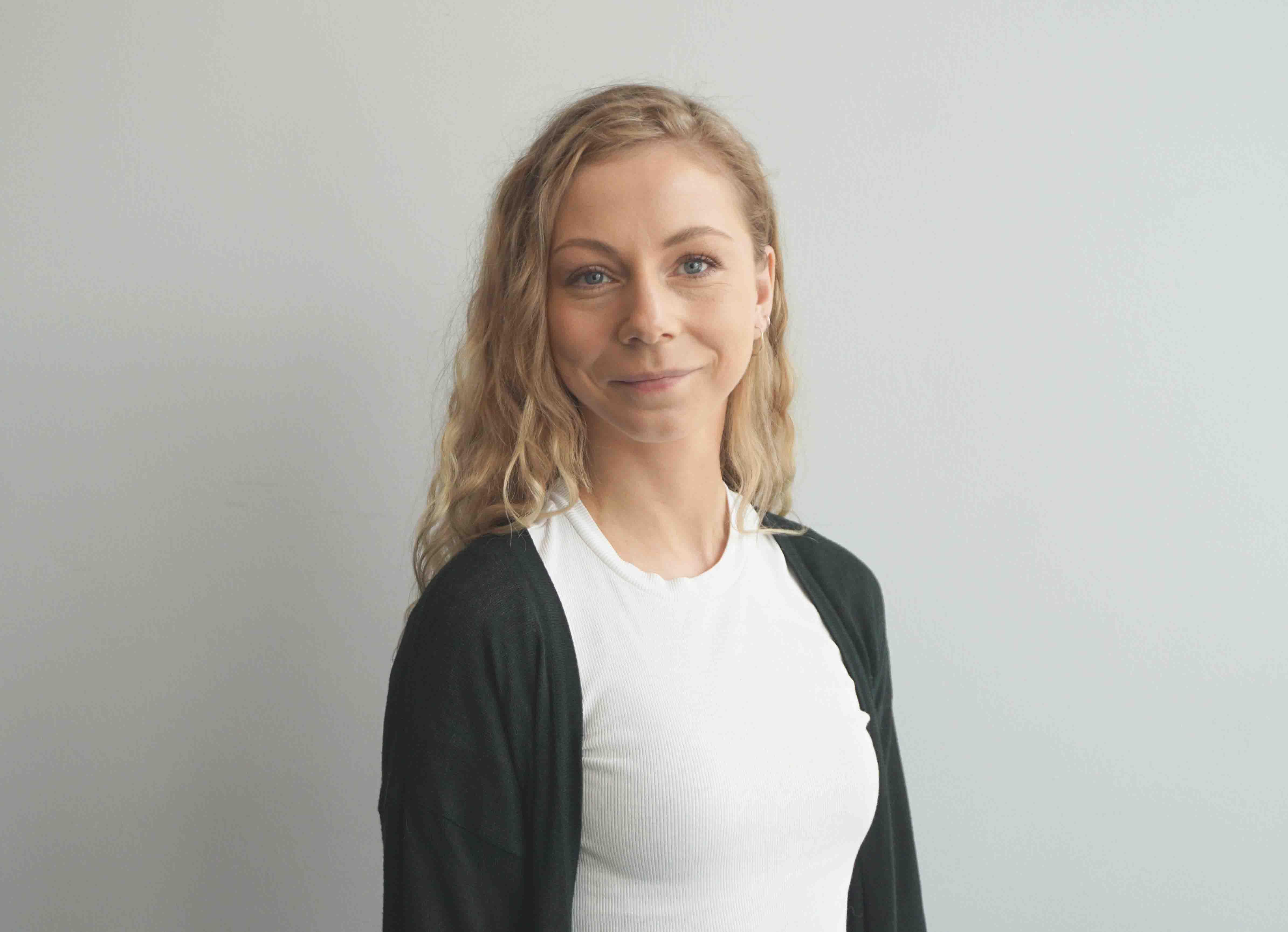 Kristina Eliasdóttir Mikkelsen : Logistik næmingur